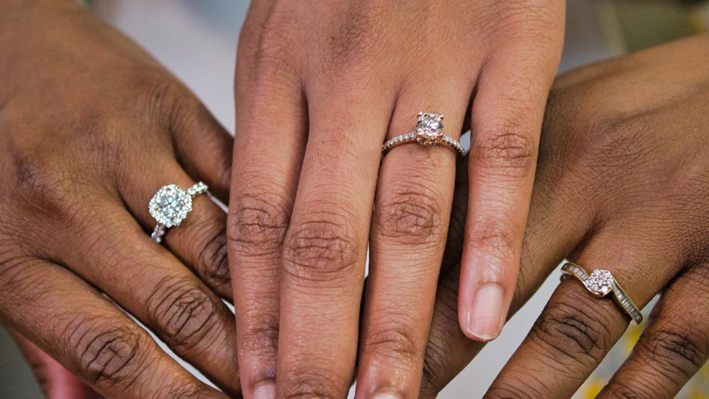 engagement-rings-guide-at-star-gems